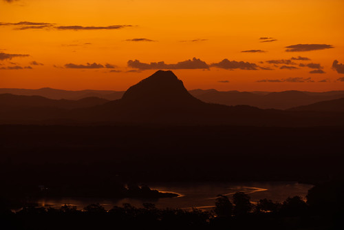 landscape australia queensland tinbeerwah mountain silhouette sunset goldenhour orange