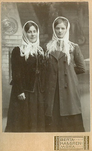 Two girls from Mora