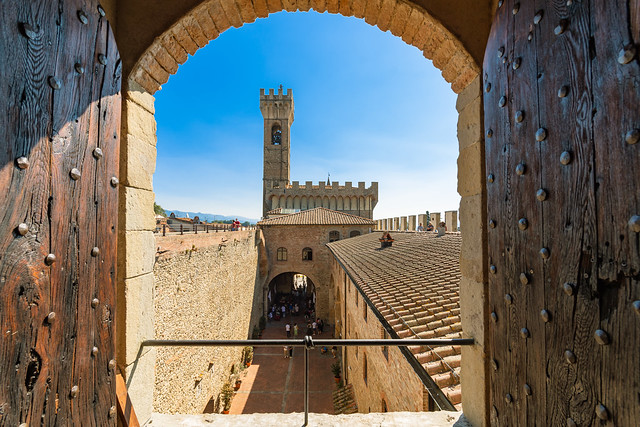 2020-09 Scarperia e San Piero, Palazzo dei Vicari. #Gp #Toscana #Ferrari1000