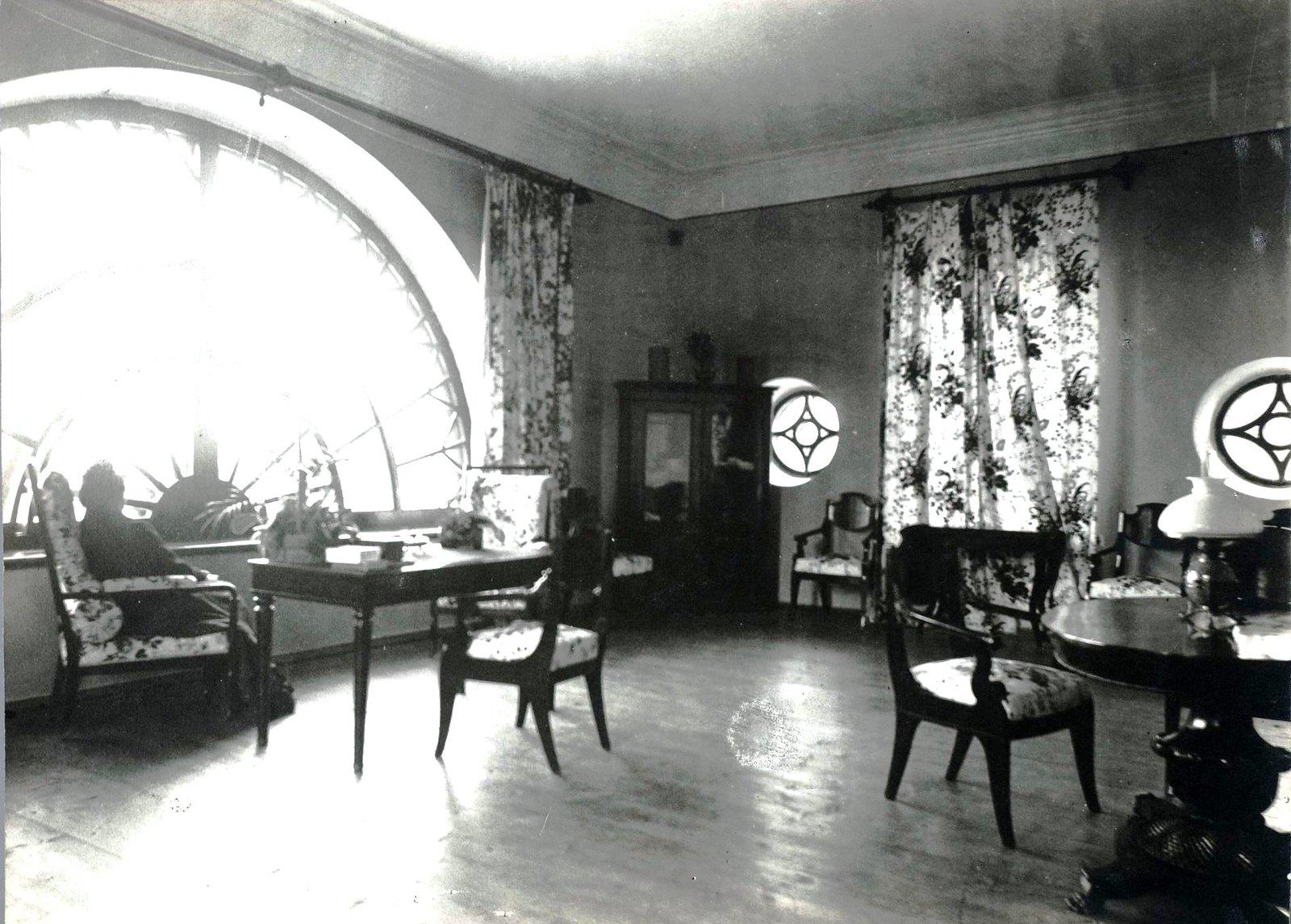 10. Комната в мезонине