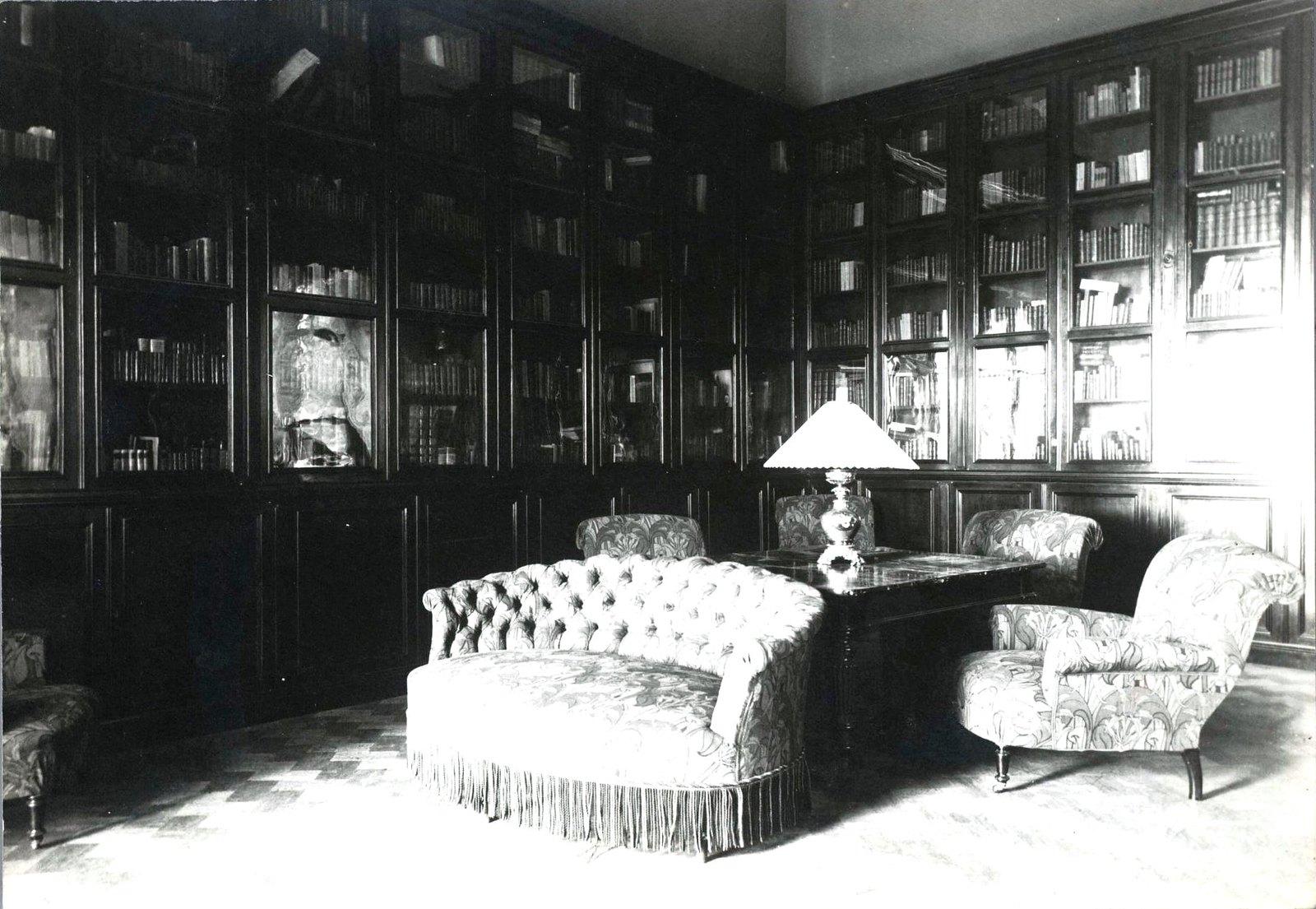06. Интерьер библиотеки