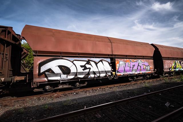 Denn, Graffiti Güterzüge, Köln-Kalk, Sep 2020 ©Bart v Kersavond
