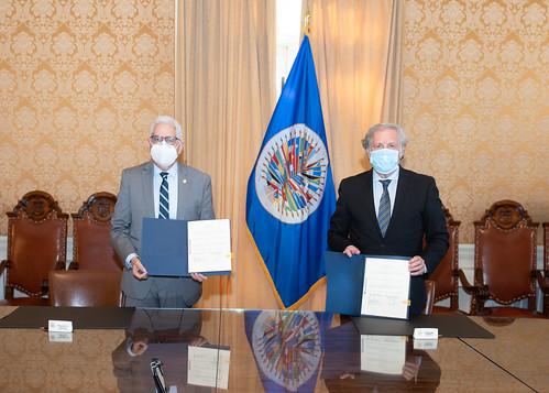 OEA y Bolivia firman acuerdo para observar las elecciones del 18 de octubre