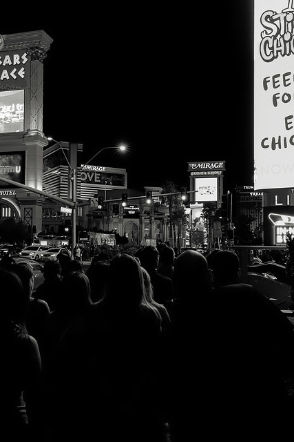 2020-10-October-062-Streets of Las Vegas-18-Black and White