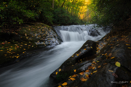 canon 6d 1635 l f4 moccasin creek hemlock falls trail fall autumn orange landscape long exposure harmon caldwell color leaf leaves water steam