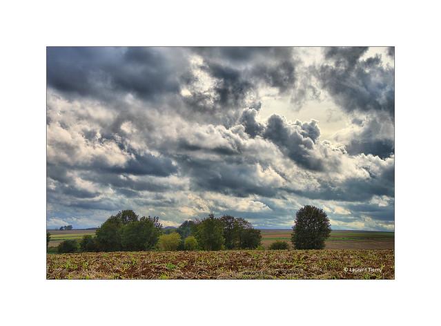 Ciel d'automne sur les plateaux d'Artois...