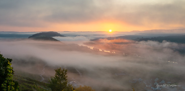 Sunrise over the autumnal Moselle valley!