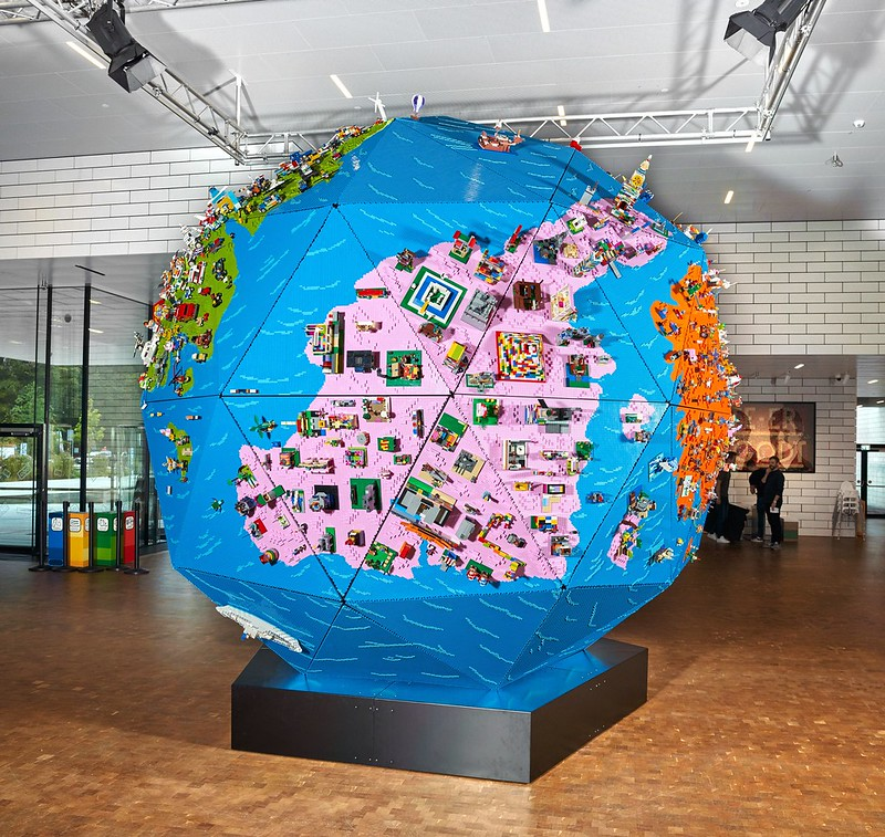 Rebuild the World Globe