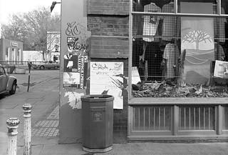 Lamont Road Passage, Park Walk, Chelsea, Kensington and Chelsea, 1988  88-5c-53-positive_2400