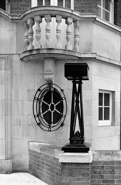 Avenue Court, Draycott Avenue, Knightsbridge, Kensington and Chelsea, 1988 88-5a-01-positive_2400
