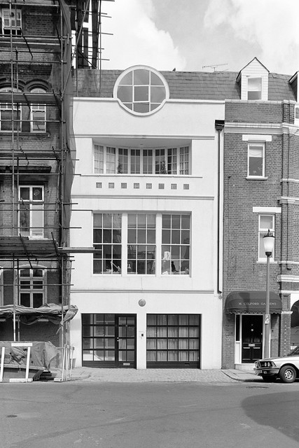 Blacklands Terrace, Chelsea, Kensington and Chelsea, 1988 88-5a-52-positive_2400