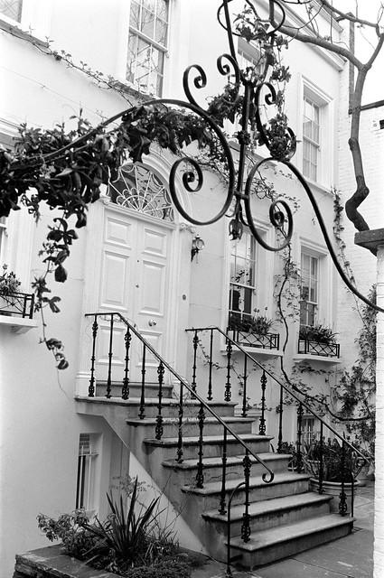 Jubilee Place, Chelsea, Kensington and Chelsea, 1988 88-5a-15-positive_2400
