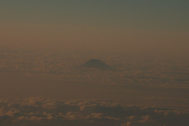An étude: Distant view from airplane window (1)