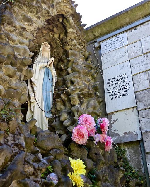 Lourdesgrot Sint Pieter / Ursulinenweg / Maastricht