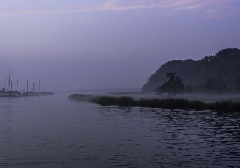Morgennebel über dem Meer