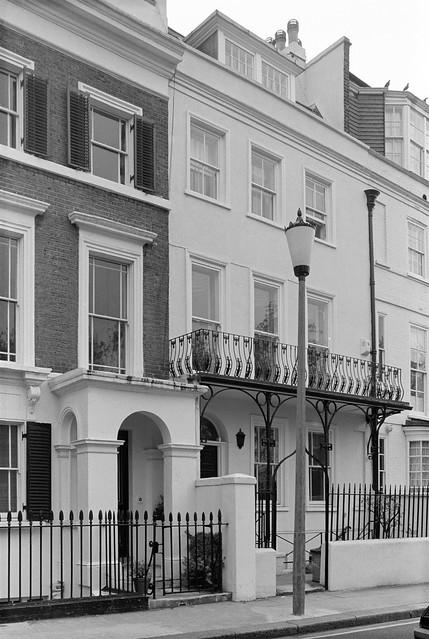 Cheyne Walk, Chelsea, Kensington & Chelsea, 1988 88-5g-15-positive_2400