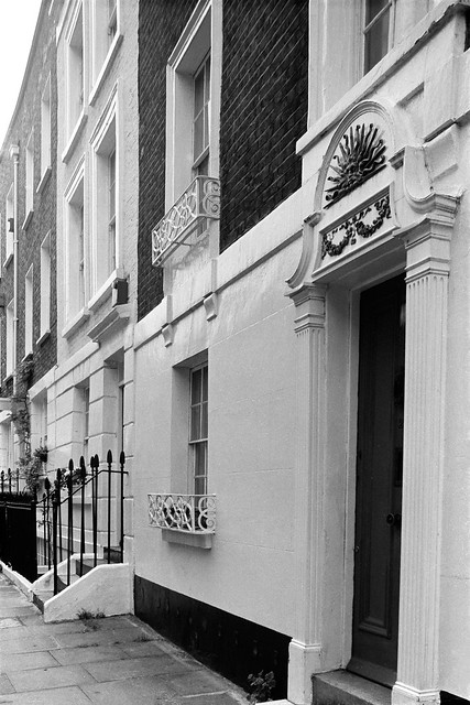 Cheyne Row,  Chelsea, Kensington & Chelsea, 1988 88-5g-16-positive_2400