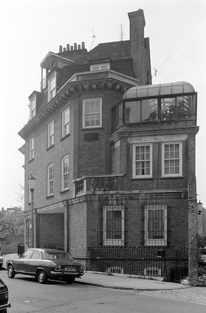 Dilke St, Swan Walk,  Chelsea, Kensington & Chelsea, 1988 88-5e-32-positive_2400