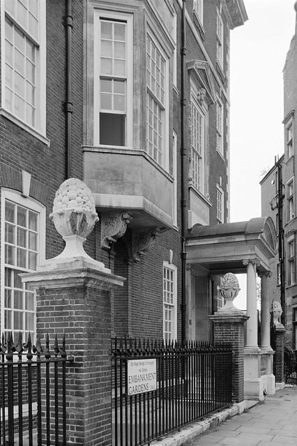 Embankment Gardens, Chelsea, Kensington & Chelsea, 1988 88-5e-25-positive_2400