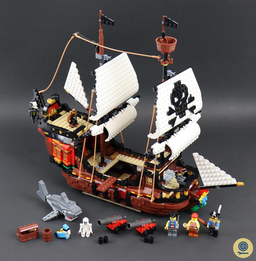 31109 Pirate Ship 01