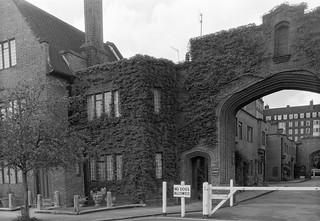 The Gateways, Sprimont Place, College Place,  Chelsea, Kensington and Chelsea, 1988 88-5a-43-positive_2400