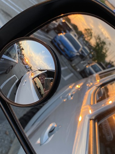 sunset sky reflection truck mirror october bubblemirror toyota tacoma monday 365days iphone11promax 200views