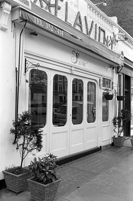 Kings Rd, Chelsea, Kensington and Chelsea, 1988 88-5c-42-positive_2400