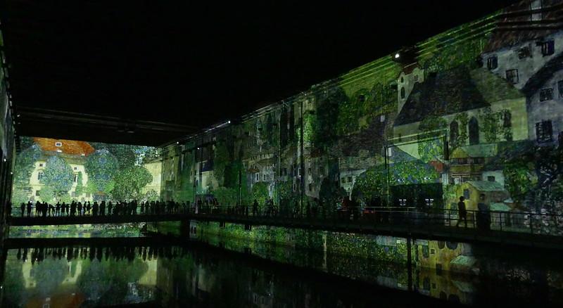 """Exposition """"Gustav Klimt, d'or et de couleurs"""", Bassins de Lumière, base sous-marine, Bordeaux, Gironde, Nouvelle-Aquitaine, France."""