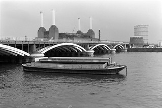 Railway Bridge, River Thames, Battersea Power Station, Grosvenor Rd, Pimlico, Westminster, 198888-5f-64-positive_2400