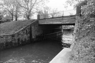 Grosvenor Canal, entrance, River Thames, Pimlico, Westminster, 1988 88-5f-53-positive_2400