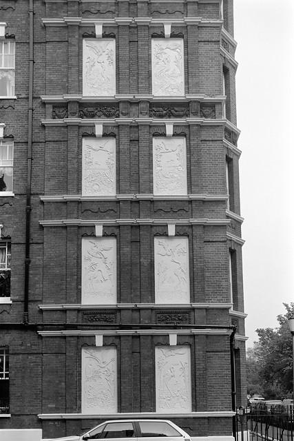 Lawrence St, Cheyne Walk, Chelsea, Kensington & Chelsea, 1988 88-5g-42-positive_2400