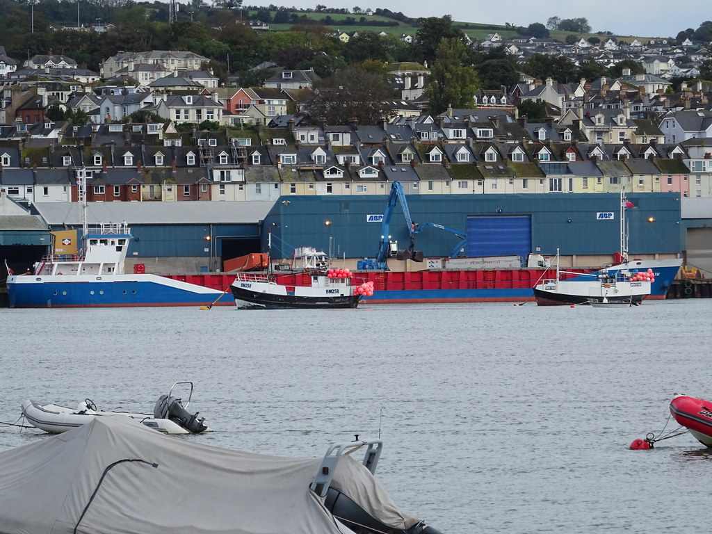 MV FLUVIUS PLYM (IMO: 9163611)  AIS Vessel Type -Generic: Cargo_Call Sign: C6AZ5 (MMSI: 311000200)  EXE Shipping Ltd, Exeter, Devon EX6 8JJ