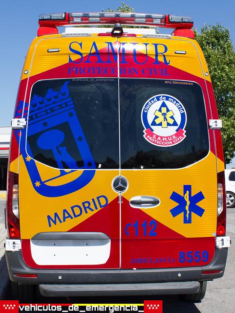 Nuevas ambulancias mercedes sprinter del sva(soporte vital avanzado) del Samur