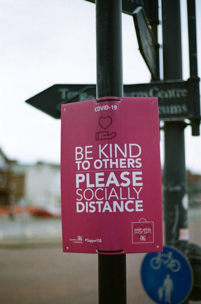 Viral kindness - 1000F with 28-80mm 1:3.5-5.6 Kodak ColorPlus 200
