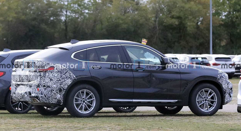 2022-bmw-x4-facelift-spy-photo (1)