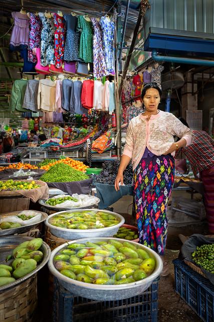 Magwe : sur le marché