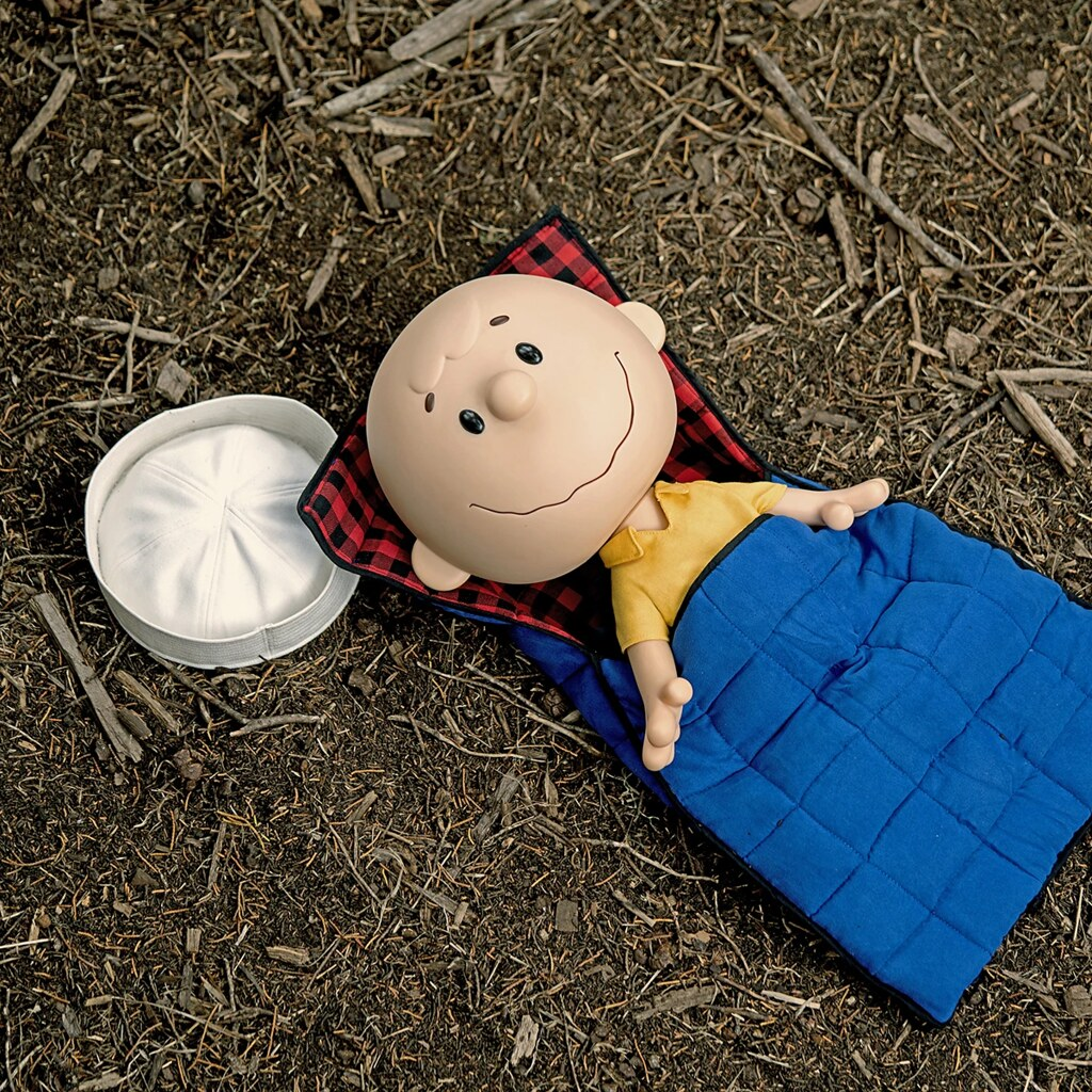 SUPER7 40公分高【查理·布朗】軟膠人偶發表!露營必備玩具就決定是你了