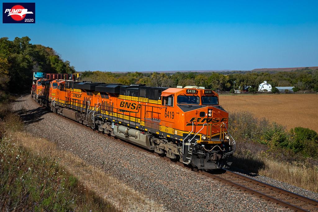 Westbound BNSF Intermodal Train at Matfield Green, KS