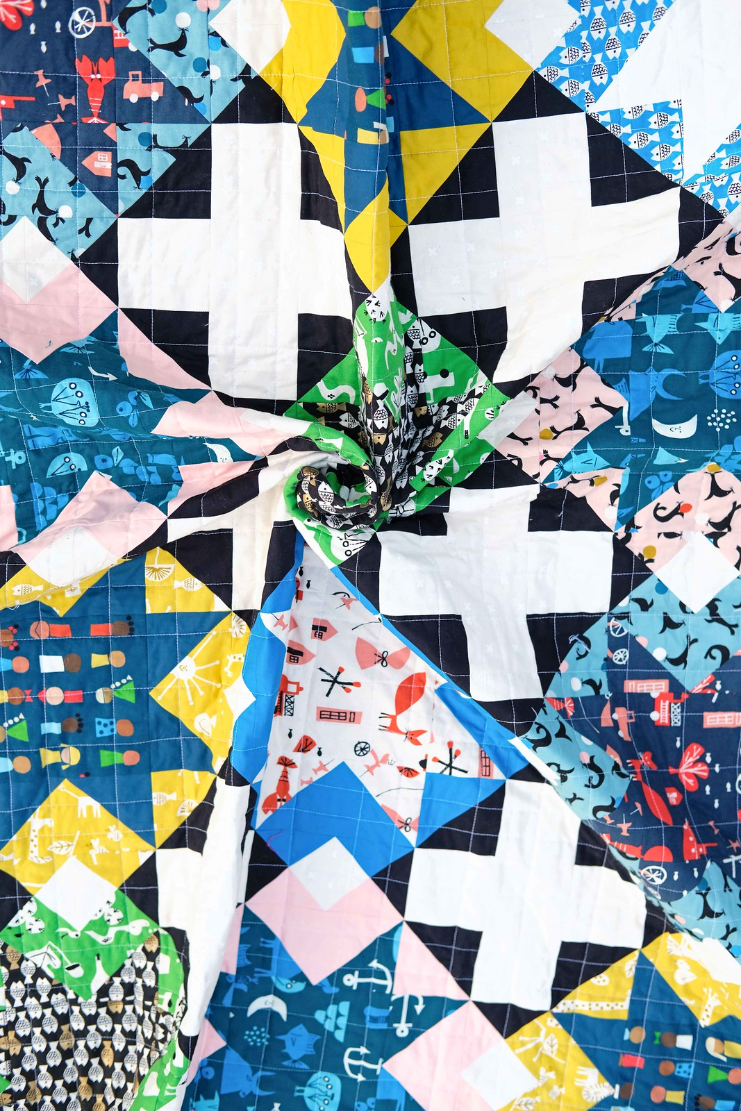 The Maggie Quilt in Spectacle - Kitchen Table Quilting