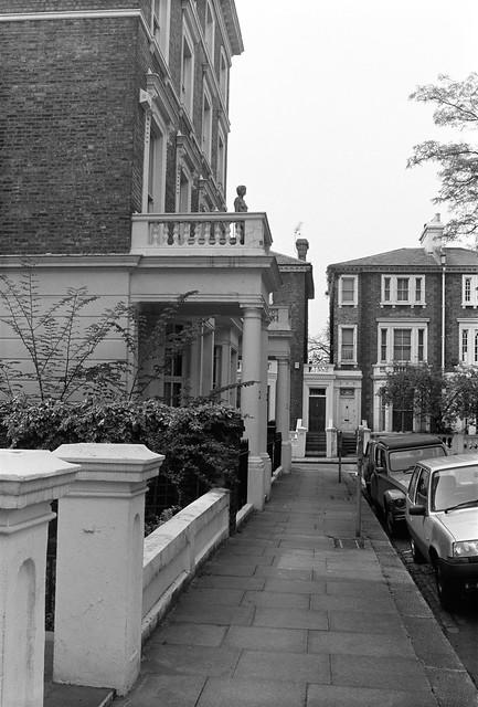 Carlyle Square, Chelsea, Kensington & Chelsea, 1988 88-5i-34-positive_2400