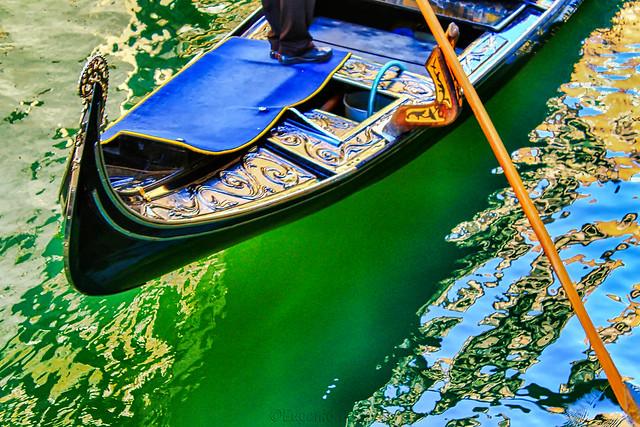 Una gondola che guizza - A gondola that flickers