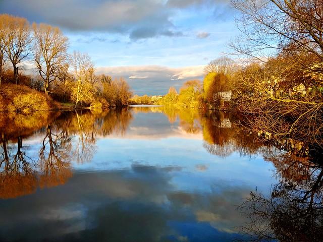 Water Mirror Land
