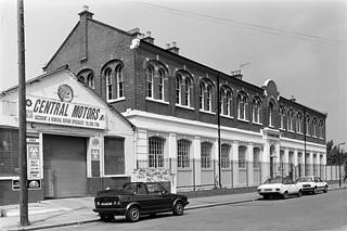 Central Motors, Canterbury House, Canterbury Rd, Kilburn, Brent 1988 88-5l-52-positive_2400