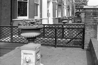 Beaufort St, Chelsea, Kensington & Chelsea, 1988 88-5j-22-positive_2400