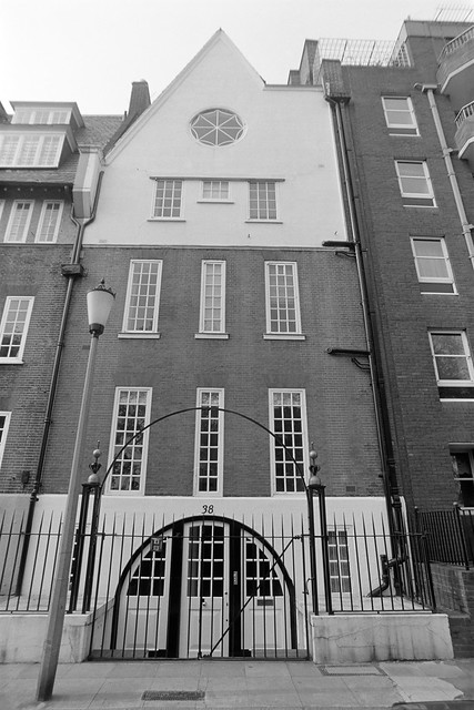 Cheyne Walk, Kensington & Chelsea, 1988 88-5h-64-positive_2400