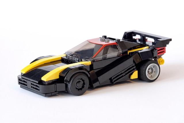 Quadra V-tech aka Jackie's car from Cyberpunk 2077. 8wide, fits two figs 😎