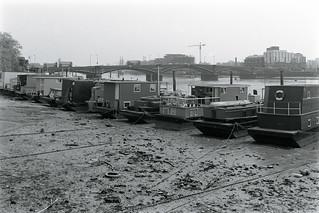 Houseboats, River Thames, Chelsea Embankment, Chelsea, Kensington & Chelsea, 1988  88-5k-42-positive_2400