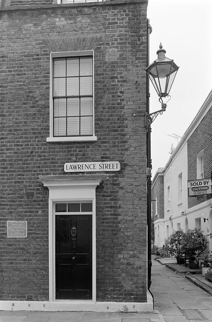 Chelsea Pottery, plaque, Lawrence St, Chelsea, Kensington & Chelsea, 1988 88-5i-63-positive_2400