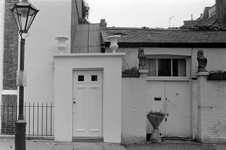 Glebe Place, Chelsea, Kensington & Chelsea, 1988 88-5i-51-positive_2400