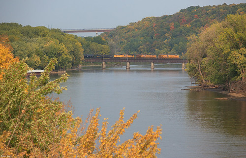 saintpaul minnesota unionpacific mississippiriver railroad bridge river ramseycounty